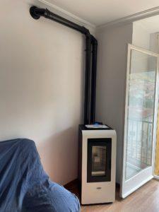Imagen de una estufa en una casa